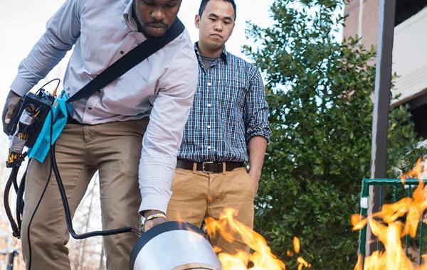 Diseñan extintor que apaga el fuego con sonidos