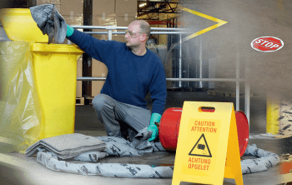 Descarga: 10 pasos para evitar resbalones, tropiezos y caídas en el centro de trabajo