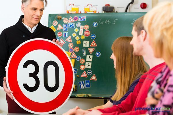 Día mundial de la seguridad vial : trabajemos juntos para reducir el número de accidentes en México