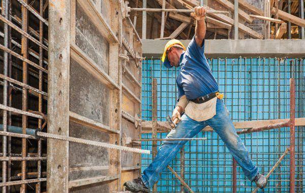 Obreros entre los trabajadores más propensos a padecer depresión