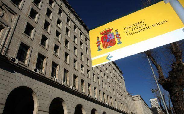 En España, empleada denuncia accidente laboral al arrojarse por la ventana antes de una inspección