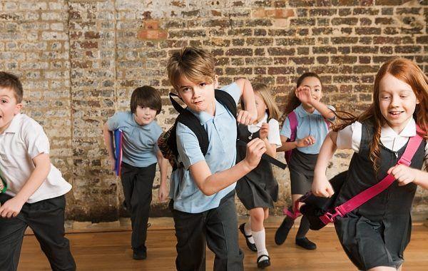 ¡Regreso a clases ergonómico! Cuida el peso de la mochila de tus hijos