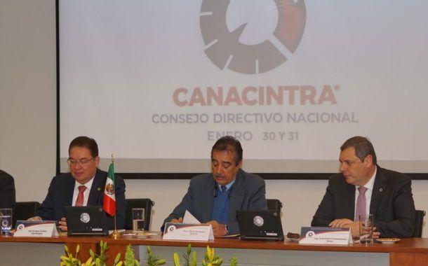 STPS firmó un acuerdo con Canacintra para el uso del Cumplilab