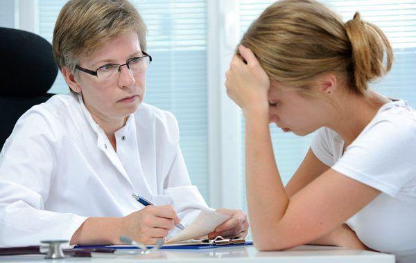 Aumentan trastornos mentales en trabajadores de la salud por pandemia.
