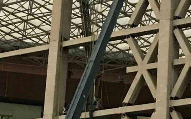 Video: Así fue rescatado un trabajador de la UAM tras fallar polea de andamio