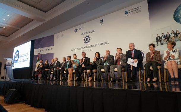 Analiza STPS retos y oportunidades ante impacto tecnológico